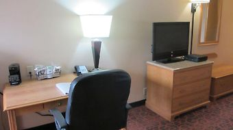 Hampton Inn Salina photos Room