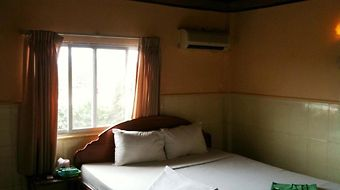 Gold Lion photos Room