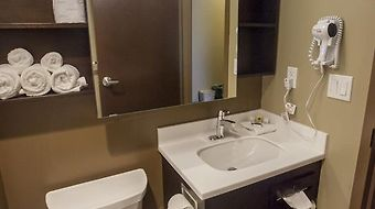 Microtel Inn And Suites By Wyndham Lloydminster photos Room