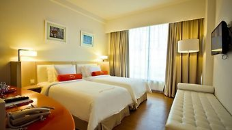 Harris Hotel And Conventions Malang photos Room