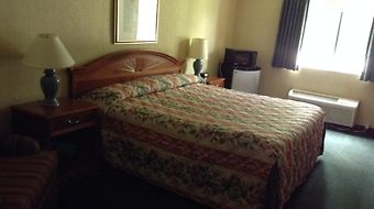 Country Pride Inn Delafield photos Room