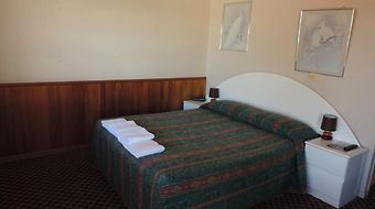 Outback Motel Mt Isa photos Room