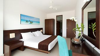 The Beach - All Suite Hotel photos Room