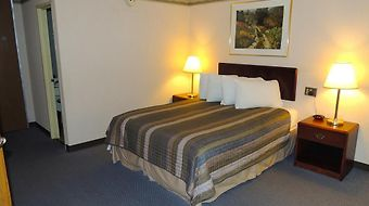 Lancaster Budget Host Inn & Suites photos Room