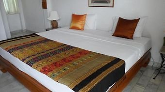 Red Hibiscus Guesthouse photos Room