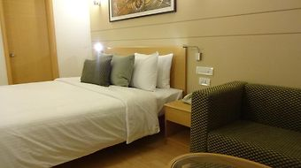 Lemon Tree Hotel Gachibowli photos Room