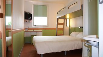 Ibis Budget Roanne photos Room