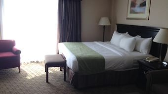 Plaza Hotel & Suites - Eau Claire photos Room