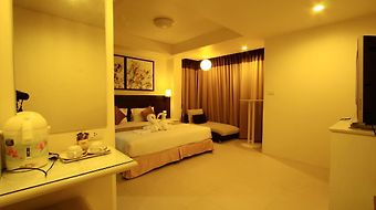 @ White Patong photos Room