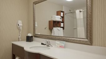 Hampton Inn Boston/North Shore photos Room