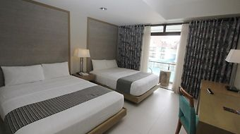 Crown Regency Resort & Convent photos Room