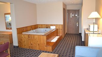 Sky Lodge Inn And Suites photos Room