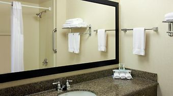 Holiday Inn Express Klamath - Redwood Ntl Pk Area photos Room