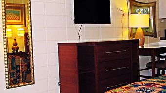 Crown Efficiency Extended Stay photos Room