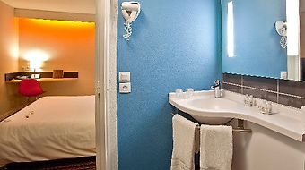 Kyriad Tours Sud - Chambray Les Tours photos Room LA SALLE DE BAIN