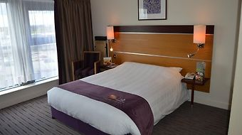Premier Inn Airport photos Exterior Hotel information