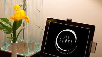 The Pearl photos Room