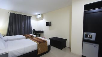 Airport Kuta Hotel And Residences photos Room