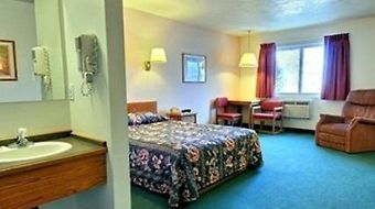 Rodeway Inn Whitehall photos Room