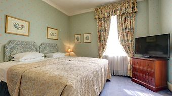 Gainsborough photos Room