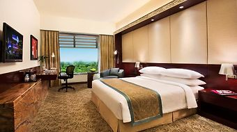 Crowne Plaza Ahmedabad City Centre photos Room