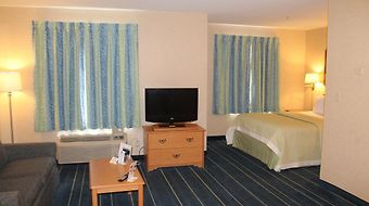 Days Inn & Suites Bridgeport - Clarksburg photos Room
