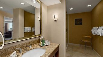Hilton Oak Lawn photos Room