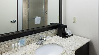 Hampton Inn & Suites Omaha-Downtown photos Room