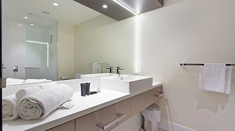 Calamvale Hotel Suites And Conference Centre photos Room