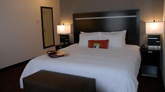 Hampton Inn & Suites By Hilton Lethbridge photos Room