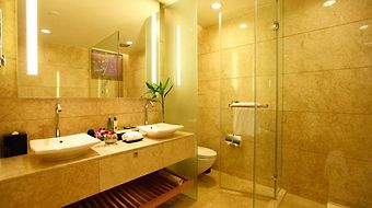Crowne Plaza Zhongshan Wing On photos Room