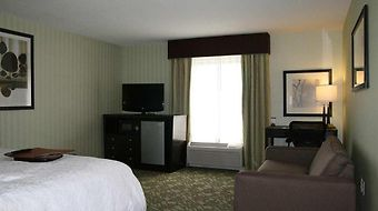 Hampton Inn Detroit/Roseville photos Room King with Sofabed