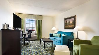 Wyndham Garden Wichita Downtown photos Room