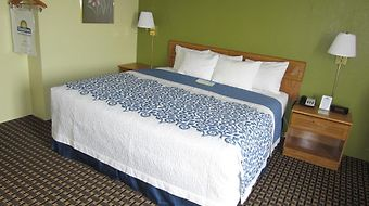 Days Inn - Newton photos Room