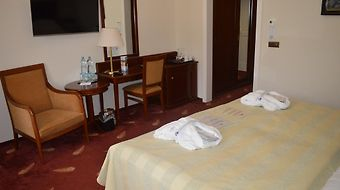 Danubius Health Spa Resort Hotel Thermia Palace photos Room