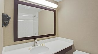 Days Inn Newburgh West Point/Stewart Intl Airport photos Room