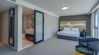 Surfers Paradise Hilton photos Room