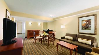 Embassy Suites Greenville Golf Resort & Conference Center photos Room