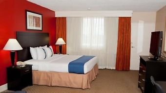 Baymont Inn & Suites Fayetteville Fort Bragg Area photos Room