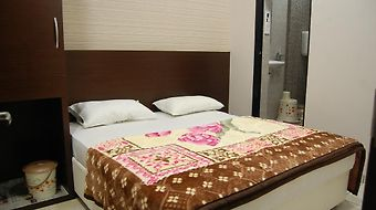 Hotel Poonam Palace photos Room