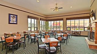 Best Western Ambassador Inn & Suites photos Restaurant Breakfast Area