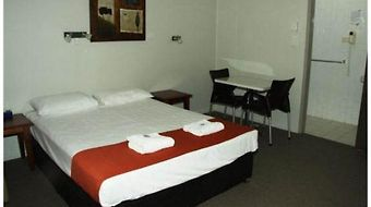 Anchorage Motor Inn photos Room