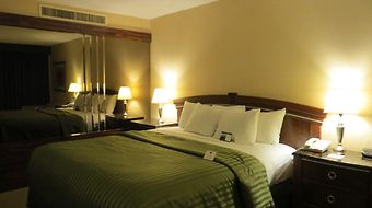 Clarion Hotel & Conference Center photos Room