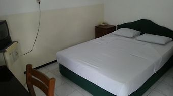 Henny Executive Homestay photos Room