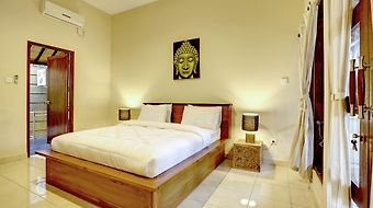 Sandalwood Villa photos Room