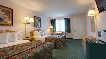 Americas Best Value Inn Uvalde photos Room Two Double Beds