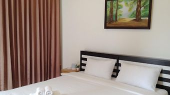 Phuket Point Guesthouse photos Room
