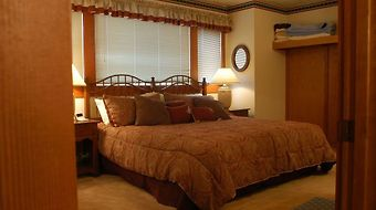 Arrowhead By Resort Property Management photos Room Bedroom