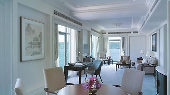 Shangri-La Bosphorus Istanbul photos Room Deluxe Bosphorus Suite