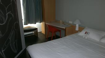Ibis La Rochelle Vieille Ville photos Room